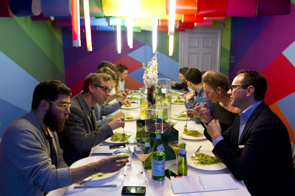 Dining in Multicolour 4