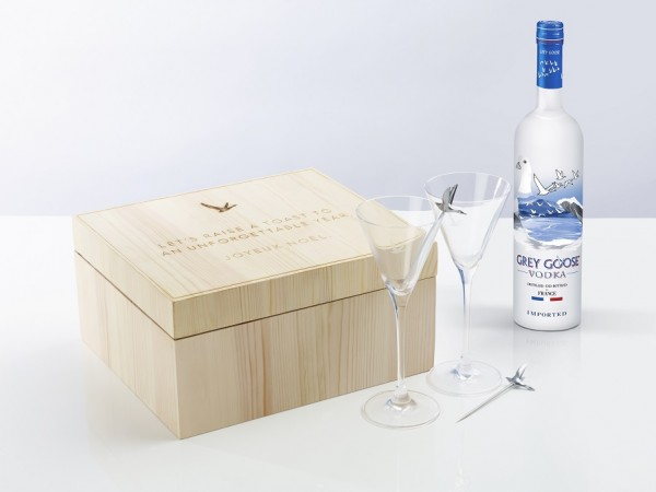 gg-box-closed-main-with-bottle
