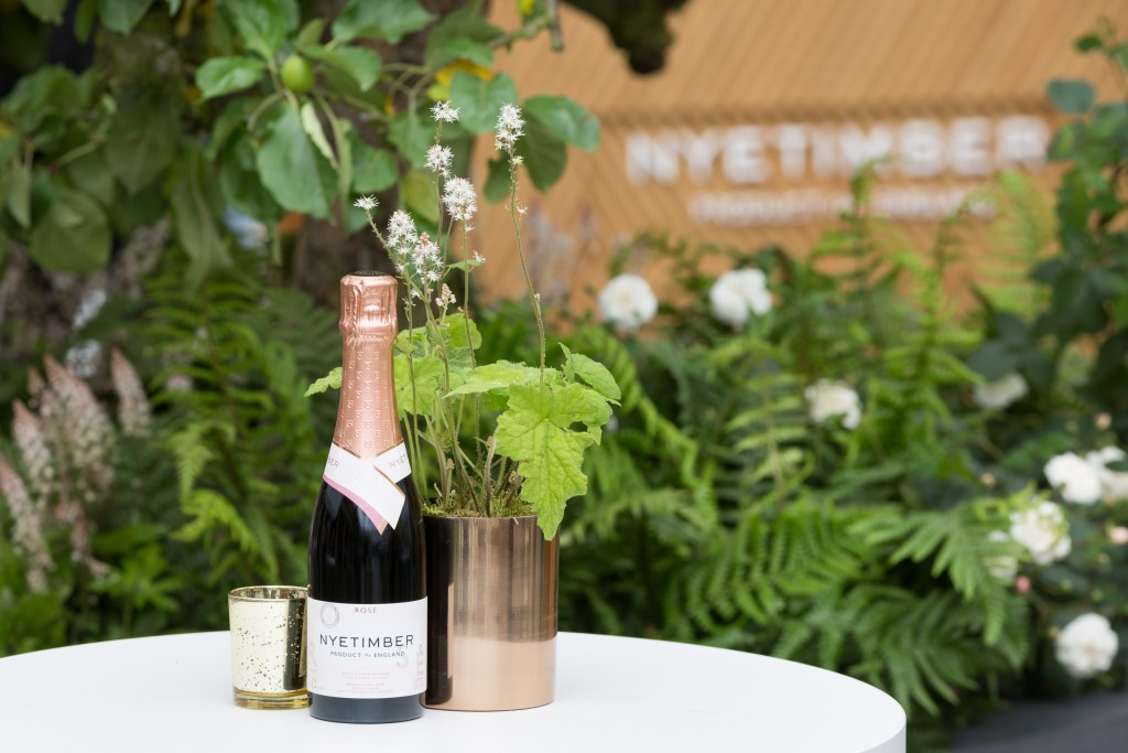 NYETIMBER Bar in Covent Gardens East Piazza